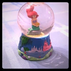 Mini Ariel snow globe